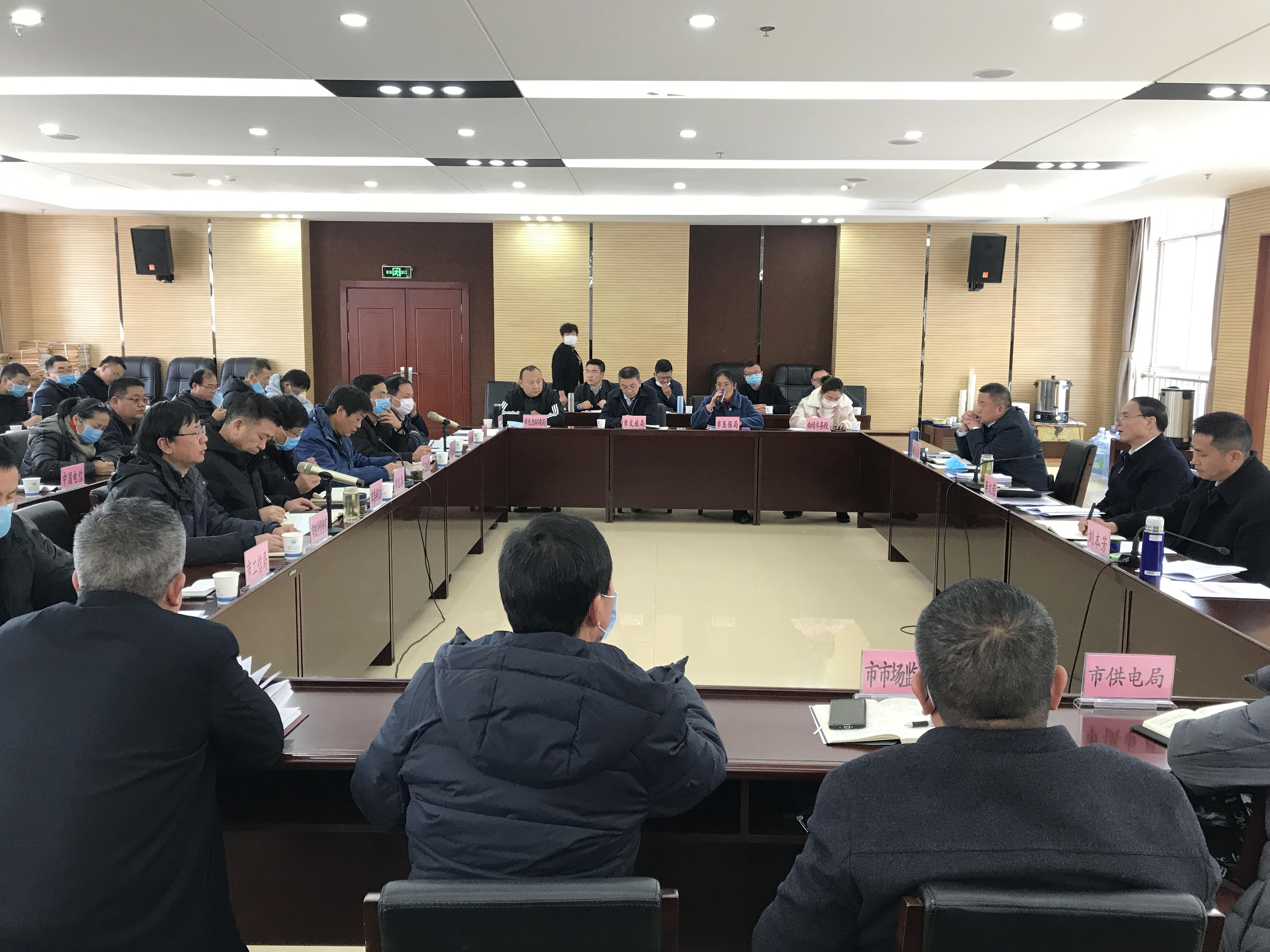 李文荣听取疫情防控工作情况汇报要求: